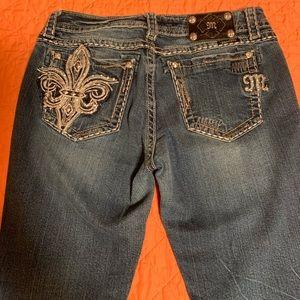 Miss me Easy Capri jeans. Fleur de lis bling.